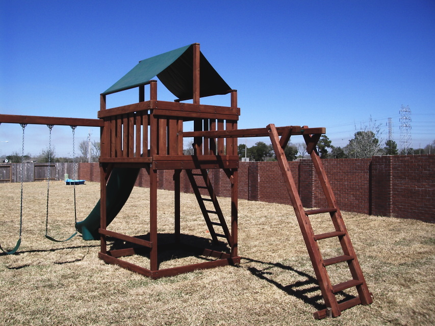 Do-it-Yourself Wooden Playset and Swingset Plans